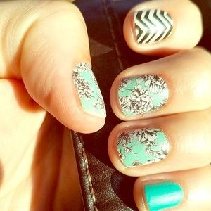Jamberry Nail Wraps: 1 FULL SHEET Serene